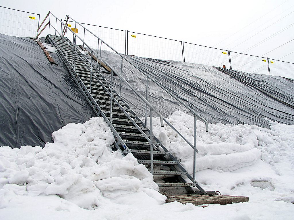 Temporary stairs tcs