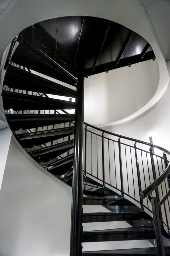 spiral-steel-stairs-3