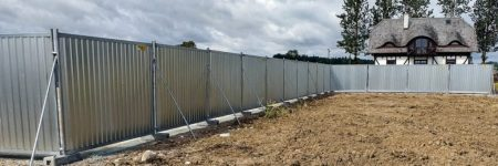 TLC-SMART-hoarding-fences-poland