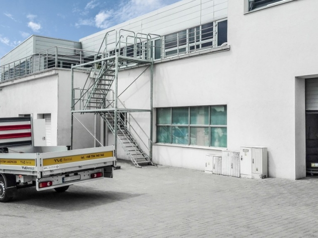 temporary_stairs_staircases_rental_bmw_www1