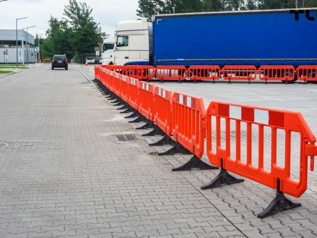 temporary_fences_mesh_plastic_hdpe_pvc_tlc_group_www-10