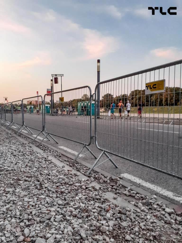 barricade-fences-3