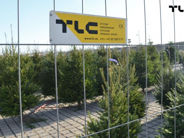 mobilt-mesh-panels-for-rent-christmas-trees-www-12